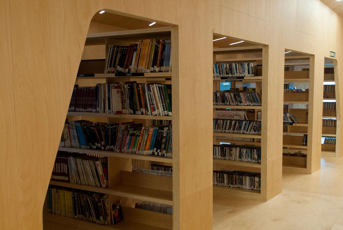 Biblioteca Baiona 1