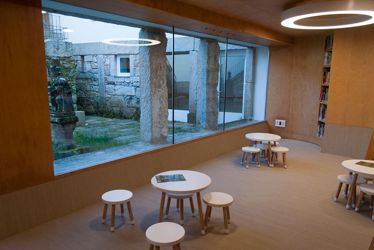 Biblioteca Baiona 2