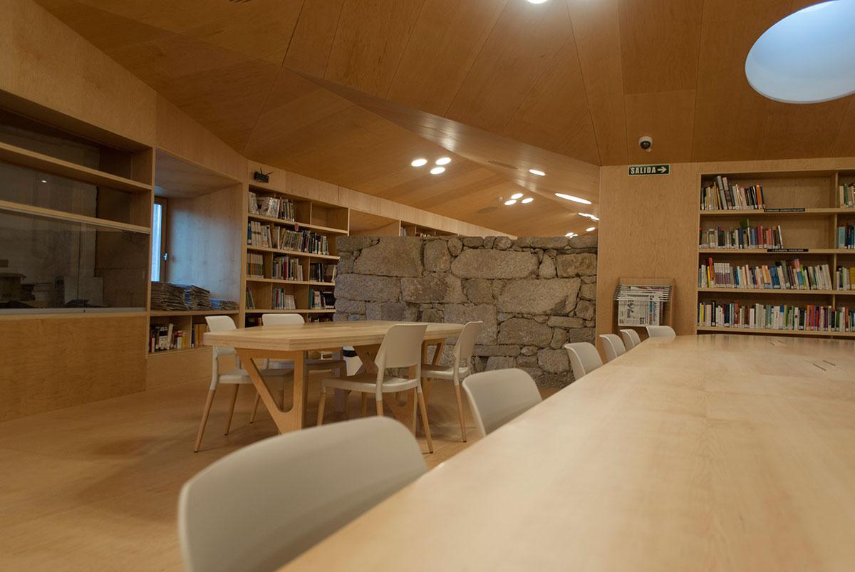 Biblioteca Baiona 6