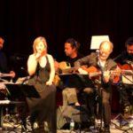 Baiona homenaxea a Xela Arias