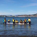 As persoas participantes do Proxecto Vincúlate do Concello de Baiona gozan dunha tarde de Paddle Surf