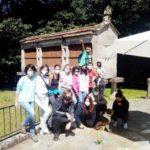 Os Rapaces do grupo de maiores do proxecto Vincúlate visitan a protectora Os Palleiros