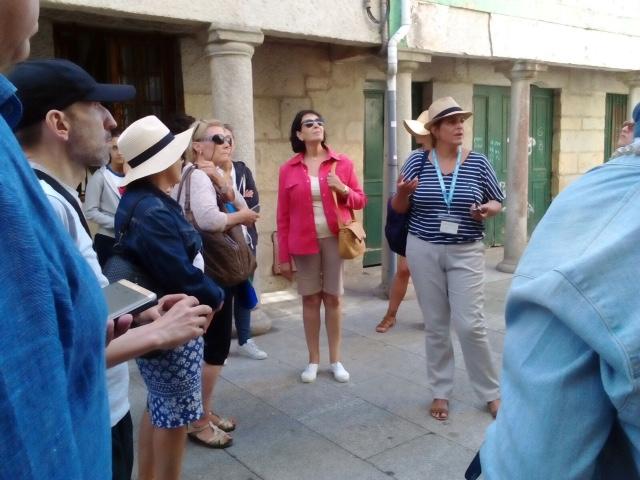 foto visita guiada casco historico Baiona